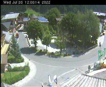 Dorfplatz 2 - 12:00