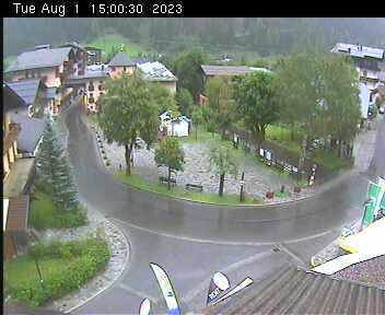 Dorfplatz 2 - 15:00