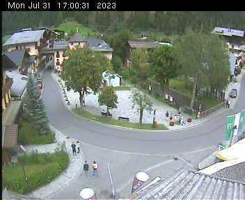 Dorfplatz 2 - 17:00